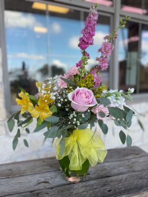 Strawberry Lemonade Vase in Godley, TX | Roselane Flowers & Gifts
