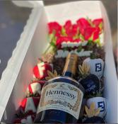 Strawberry/Liquor Box - Hennessy Rose Gift Box