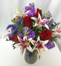 Stunning Beauty Classic mixed arrangement