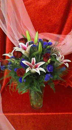 BO6 Stunning Beauty Valentine Arrangement