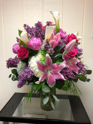 Stunning Spring blooms Vase Arrangement in Fairfield, CT | Blossoms at Dailey's Flower Shop