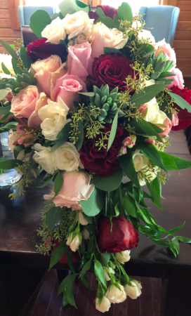 Style: classic cascade cascade bridal bouquet