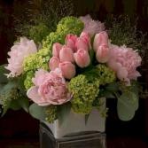 STYLISH EASTER ELEGANT MIXTURE OF FLOWERS
