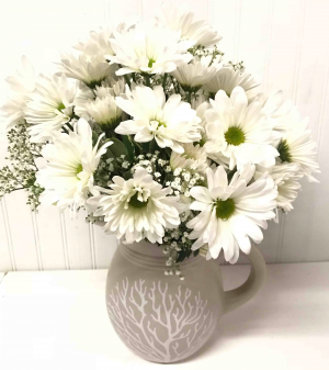 Summer Daisy Bouquet   in Easton, MD | ROBINS NEST FLORAL AND GARDEN CENTER