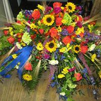SUMMER FIELDS CASKET FLOWER