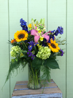 Summer Finale Summer Arrangement in Northfield, MN | JUDY'S FLORAL DESIGN STUDIO