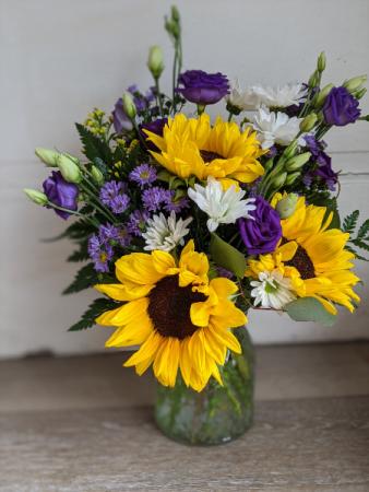 Summer Fun Floral arrangement