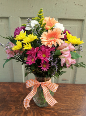 Summer Garden Vase Arrangement in Rockford, IL | Pepper Creek