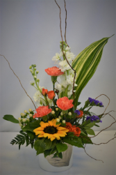SUMMER IN STYLE FRESH FLOWER ARRANGEMENT
