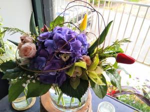 Summer Loving  Arrangement in Glastonbury, CT | THE FLOWER DISTRICT