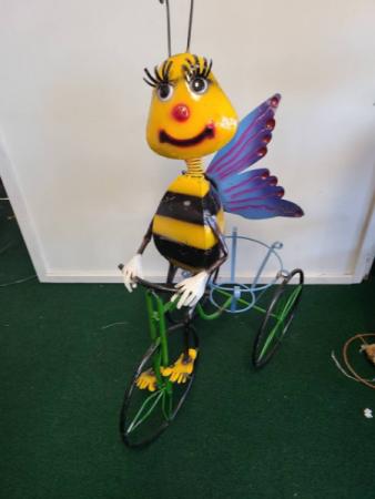Summer Metal Bee On Trike