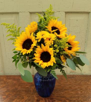 Summer Reflections vase arrangement