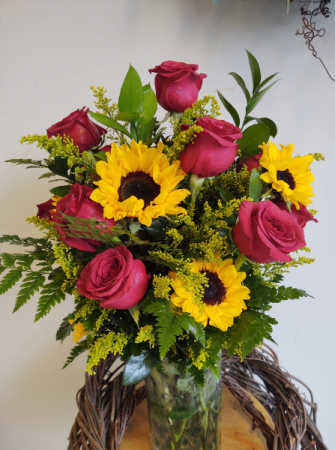 Summertime Bliss Red roses with sunflowers