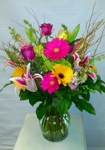 Summit Special  Vase arrangement  in Chatham, NJ | SUNNYWOODS FLORIST