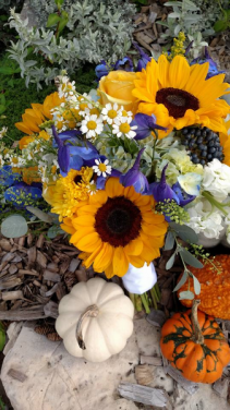 Sunflower Love Bride bouquet