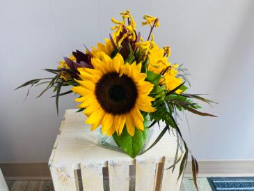 sunflower trio Flower Arrangement