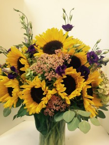 Summer Sunflower vase  in Northport, NY | Hengstenberg's Florist