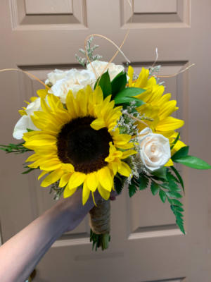 SUNFLOWER YAY  in Round Lake, IL | CUNA'S FORMAL WEAR & FLOWERS INC.