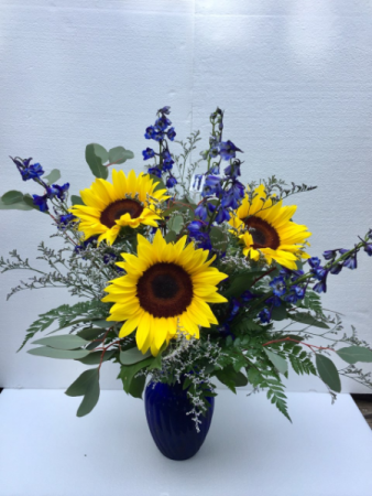 Sunflower Elegance Beautiful combinations of Sunflowers and Delphinium