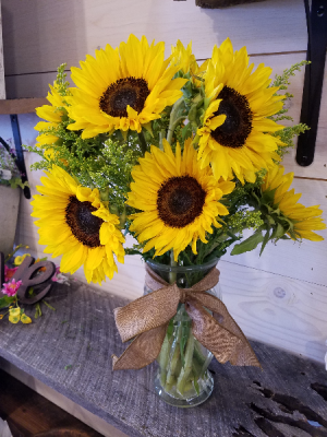 #sunflowers vase  in Crossville, TN | Poppies Florist