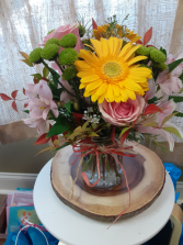 sunny arrangement either for baby girl or soft and sunny arrangement