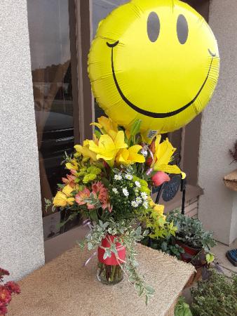 sunny arrangement vase and balloon