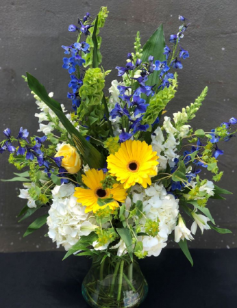 Sunny Blue Skies Powell Florist Featured Arrangement