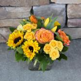 Sunny Cube Vase Classic Flower Arrangement