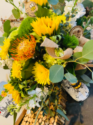 Sunny Delight  All occasions- cheerful  in Woodstock, GA | Bradshaw Flowers