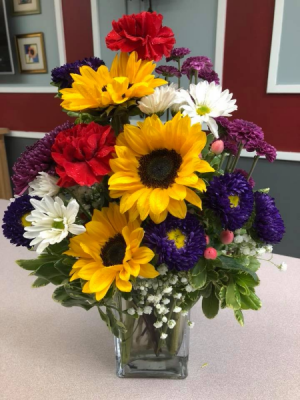 SUNNY GREETINGS Vase Arrangement in East Meadow, NY | EAST MEADOW FLORIST