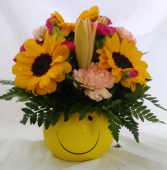 Sunny Smile Smile Container with Sunflower Mix