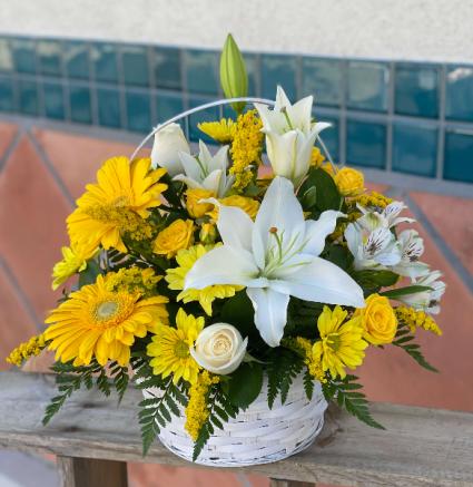 Sunny Summer Day  FHF 68-42 Fresh Floral Arrangement