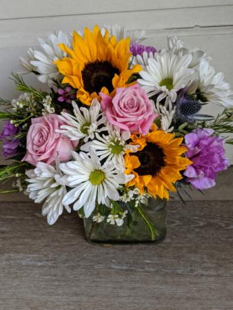 Sunny Vase Fresh Arrangement