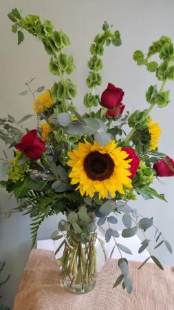 Sunny Wishes! Fresh Arrangement