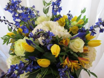 SUNRISE IN  A BLUE SKY Floral Arrangement