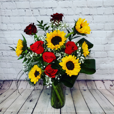 Suns N' Roses Fresh Floral Arrangement