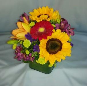Sunshine Fresh Bouquet mixed arrangement