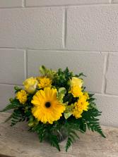 SUNSHINE PERFECTION Floral Arrangement