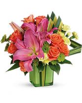 SUNSHINE SQUARE Vase Arrangement