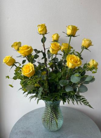 Sunshine Yellow Dozen Roses