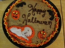 HAPPY HALLOWEEN GIANT CHOCOLATE CHIP COOKIE! Need 30 hours notice.