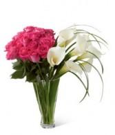 Sweeping love vase design