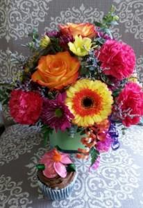 Sweet Celebration! Bouquet with a SaraSota's Cupcake