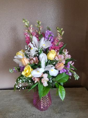 Sweet iris Vase arrangement