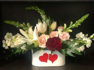 Sweet Love Valentine`s Day Flowers