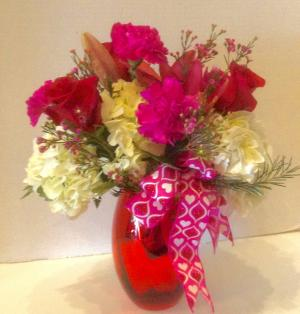 Sweet Romance Valentine's Day Fresh in Osage, IA | Osage Floral & Gifts