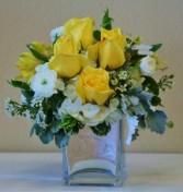 SWEET SMILES Arrangement of Flowers