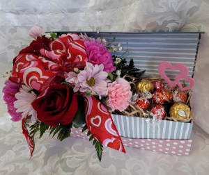 SWEET SURPRISE!!! Fresh with candy in Fulton, NY | DeVine Designs By Gail