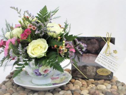 SWEET TEA TIME DESIGN/CHOCOLATE COMBO CHOCOLATE AND FRESH FLOWER COMBO