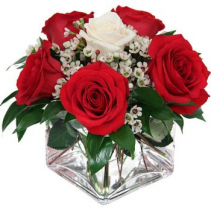 Be My Valentine Fresh roses arrangement